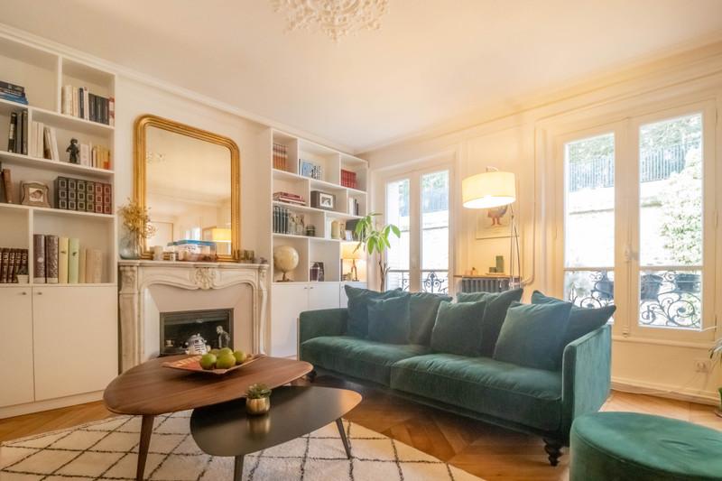 French property for sale in Paris 16e Arrondissement, Paris - €1,650,000 - photo 2