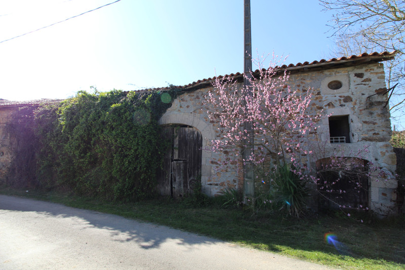 French property for sale in Les Salles-Lavauguyon, Haute-Vienne - €86,900 - photo 8