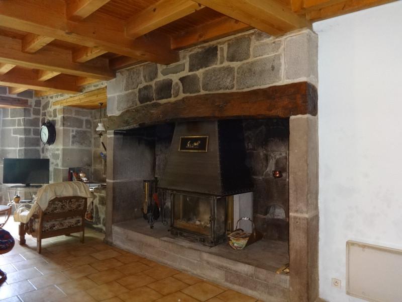Maison à vendre à Dienne, Cantal - 224 700 € - photo 4