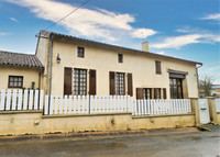 French property, houses and homes for sale inMontalembertDeux-Sèvres Poitou_Charentes