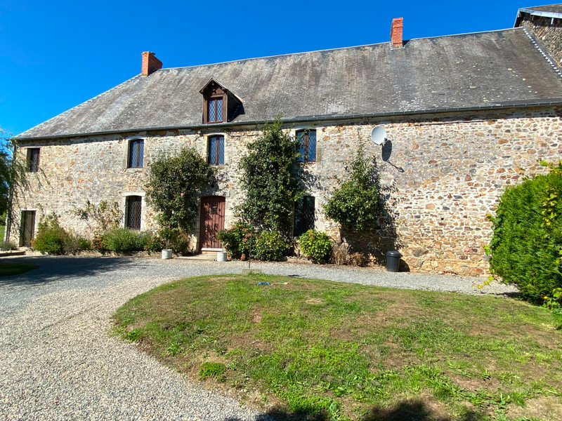 French property for sale in Saint-Martin-d'Aubigny, Manche - €477,000 - photo 6