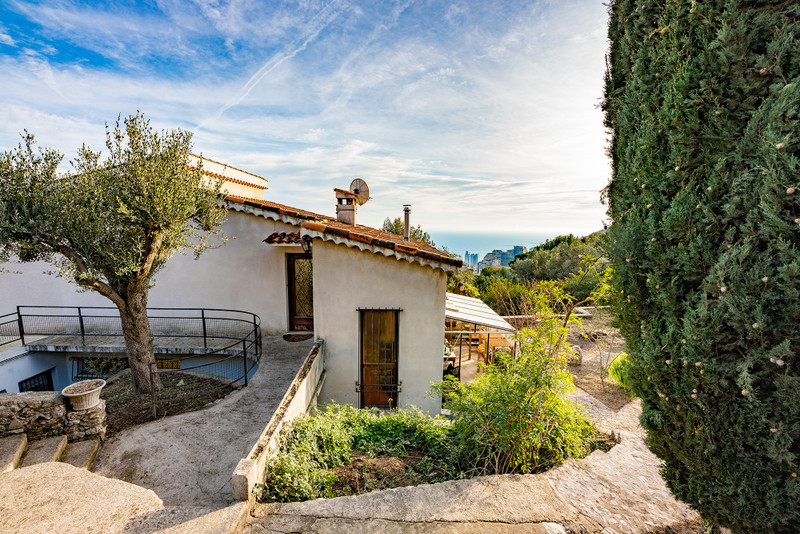 French property for sale in Beausoleil, Alpes-Maritimes - €1,199,000 - photo 2