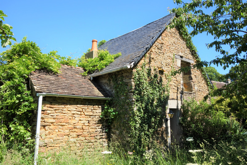 French property for sale in Champfrémont, Mayenne - €56,600 - photo 3