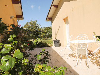 French property for sale in Riscle, Gers - €275,000 - photo 9