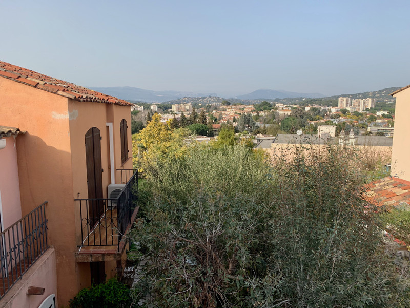 French property for sale in Cannes, Alpes Maritimes - €395,000 - photo 2