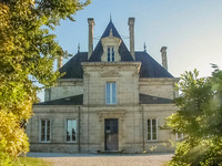 chateau for sale in Lesparre-MédocGironde Aquitaine