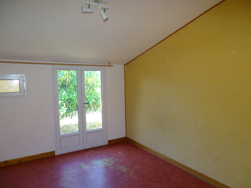 French property for sale in Thenon, Dordogne - €141,700 - photo 4