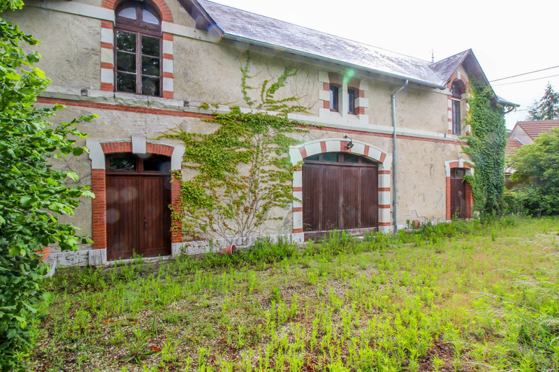 French property for sale in Chabris, Indre - €244,950 - photo 3