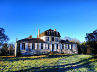 chateau for sale in Fontenay-le-ComteVendee Pays_de_la_Loire