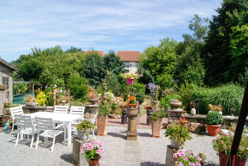 French property for sale in L'Absie, Deux-Sèvres - €172,799 - photo 2