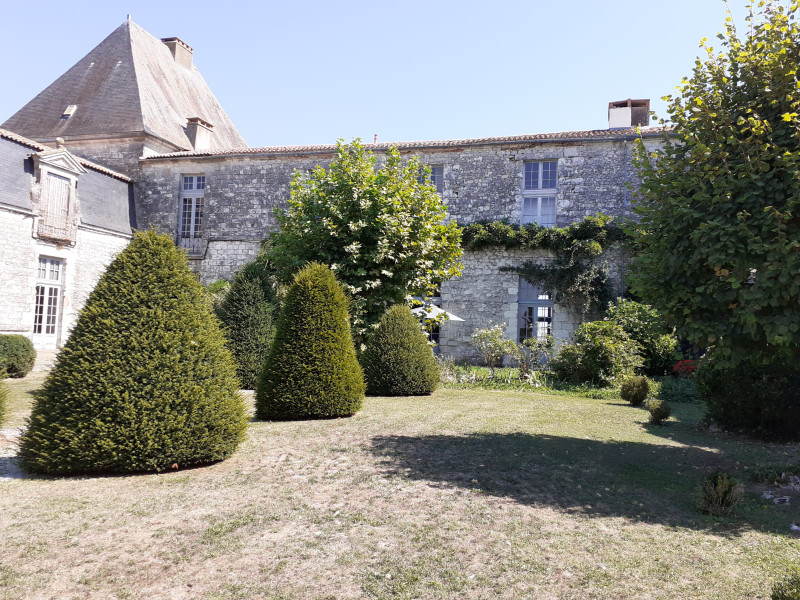 French property for sale in Saussignac, Dordogne - €630,000 - photo 2
