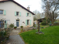 French property, houses and homes for sale inLa Chapelle-BâtonDeux-Sèvres Poitou_Charentes
