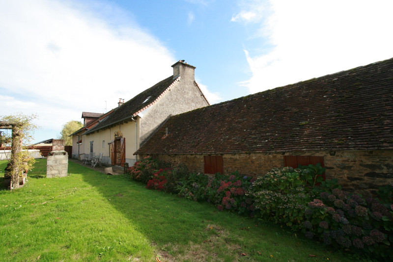 French property for sale in Saint-Yrieix-la-Perche, Haute-Vienne - €581,940 - photo 8