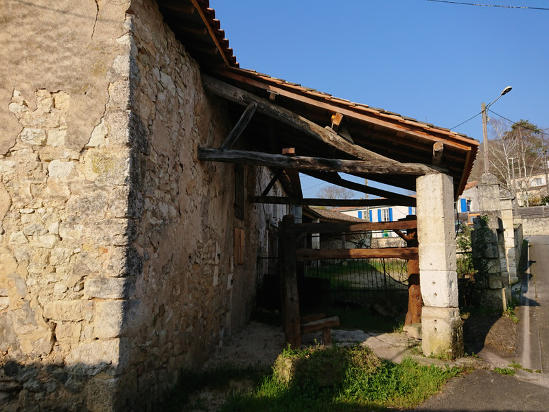 French property for sale in Mornac, Charente - €108,000 - photo 5