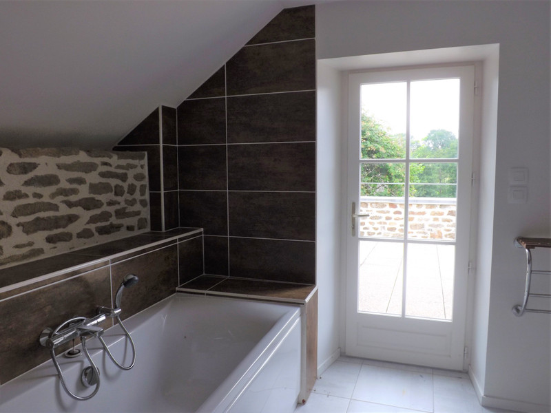 French property for sale in Champfrémont, Mayenne - €152,175 - photo 6