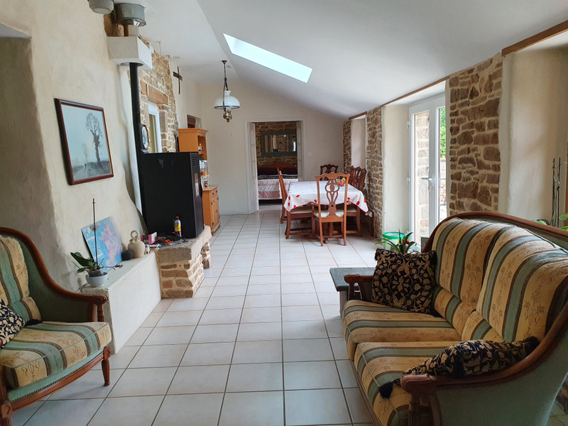 French property for sale in Béganne, Morbihan - €200,450 - photo 2