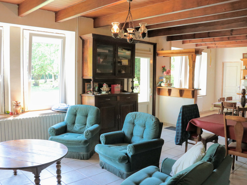 French property for sale in Tréguidel, Côtes-d'Armor - €238,500 - photo 3