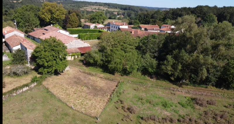 French property for sale in Javerlhac-et-la-Chapelle-Saint-Robert, Dordogne - €152,200 - photo 9