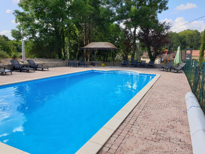French property for sale in Neuvic, Dordogne - €439,900 - photo 2