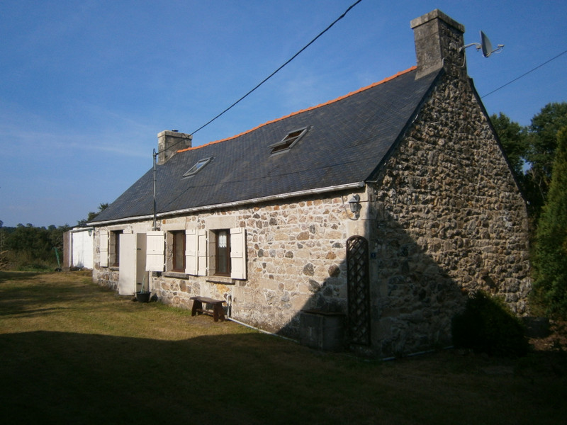 French property for sale in Plourac'h, Côtes-d'Armor - €162,410 - photo 2