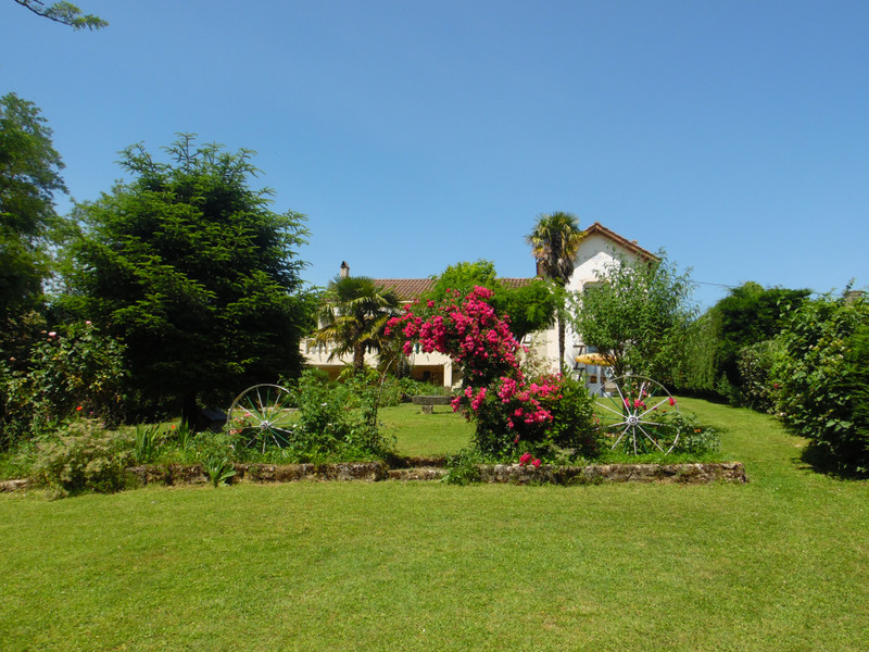 French property for sale in Bourg, Gironde - €324,360 - photo 7