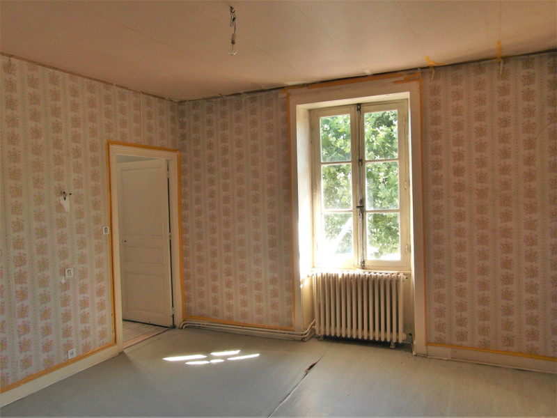 French property for sale in Nouic, Haute-Vienne - €61,600 - photo 5