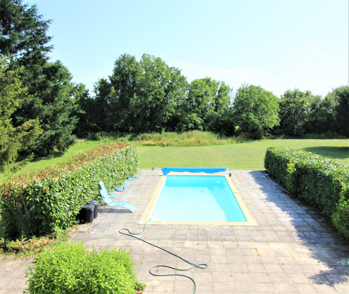 French property for sale in Raix, Charente - €325,500 - photo 2