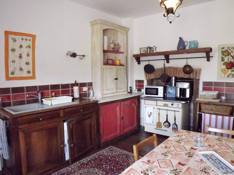 French property for sale in L'Isle-Jourdain, Vienne - €214,000 - photo 2