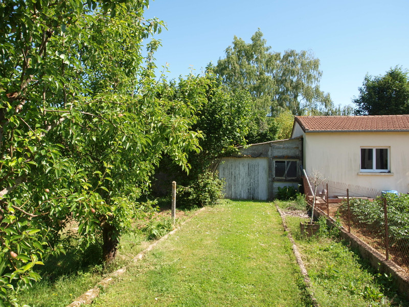 French property for sale in Rouillé, Vienne - €125,350 - photo 4