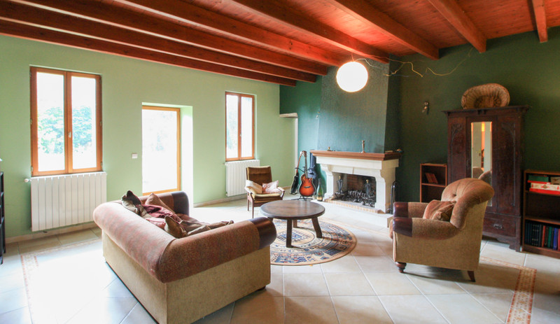 French property for sale in Lozay, Charente-Maritime - €214,000 - photo 6