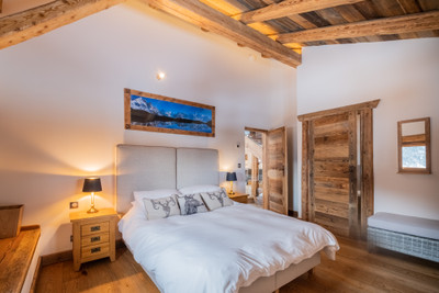 Luxury farmhouse ski chalet for sale in Saint Nicolas de Veroce , Domaine Evasion Mont Blanc ski area. Great views. Renovated to a high standard with great access to the 445 km of the Megeve, St Gervais,  Les Contamines, Combloux ski area . Under an hour to Geneva.  EXCLUSIVE to the Leggett website, do not miss the 360º virtual tours and the 3D floorplans