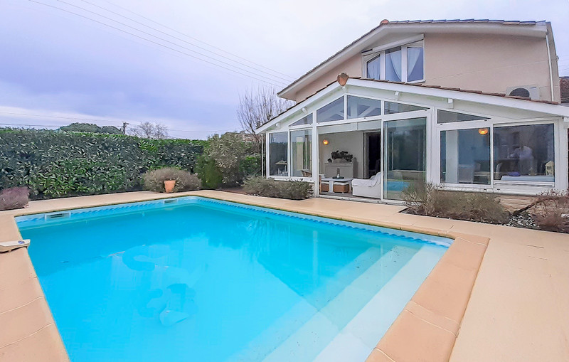 French property for sale in Pessac, Gironde - €700,000 - photo 10