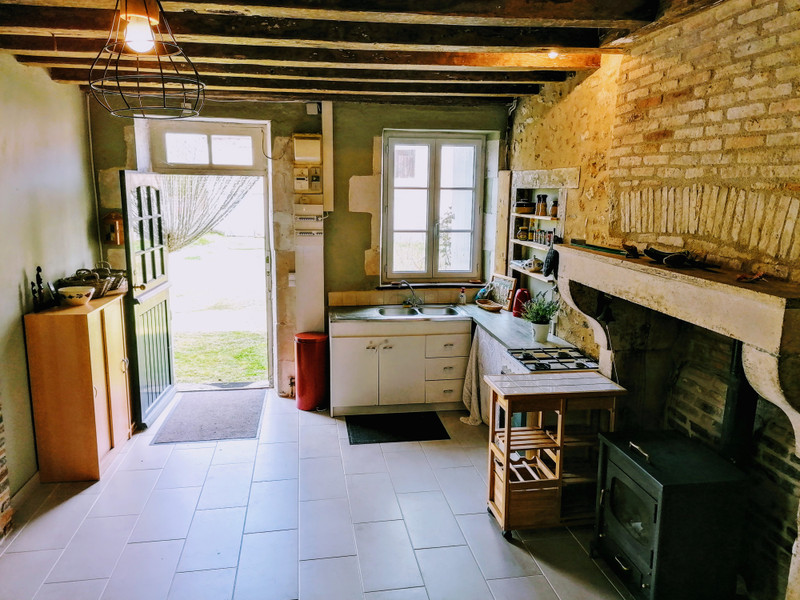 French property for sale in Brigueil-le-Chantre, Vienne - €66,000 - photo 3
