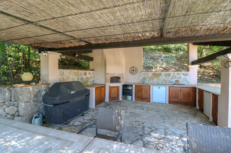 French property for sale in Le Tignet, Alpes Maritimes - €900,000 - photo 9