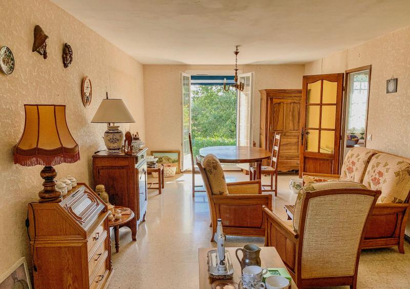 French property for sale in Reillanne, Alpes-de-Hautes-Provence - €230,400 - photo 4
