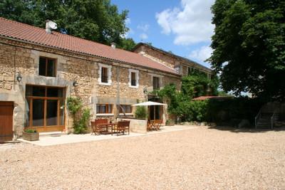 Majestic Maison Bourgeoise, 2 gîtes, cottage, mill house on a beautiful setting alongside the river Cole.