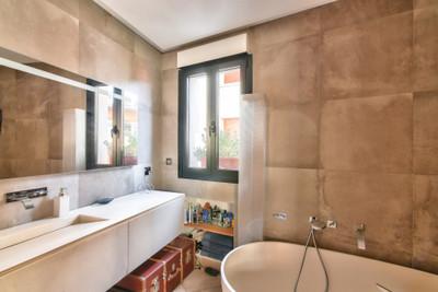 75019, Prestigieuse adresse sur la butte Bergeyre, bel Maison de 117m2 impeccablement rénové par architecte