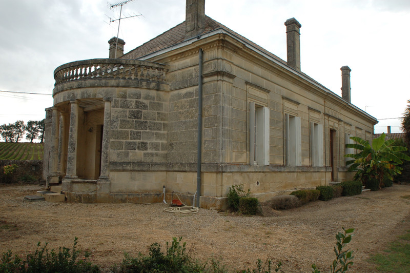French property for sale in Blaye, Gironde - €360,000 - photo 2