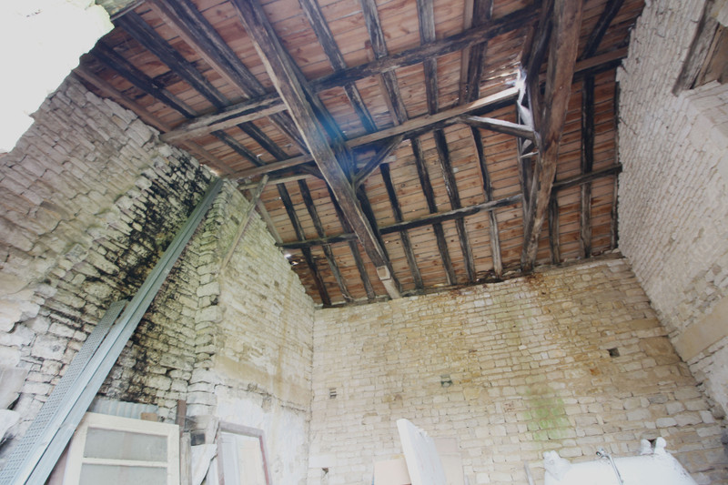 French property for sale in Romazières, Charente-Maritime - €12,000 - photo 9
