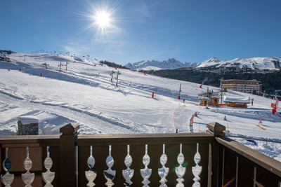 Exquisite ski-in ski-out apartments for sale in a prime location in Courchevel from 3,215,000€ - 5,000,000€