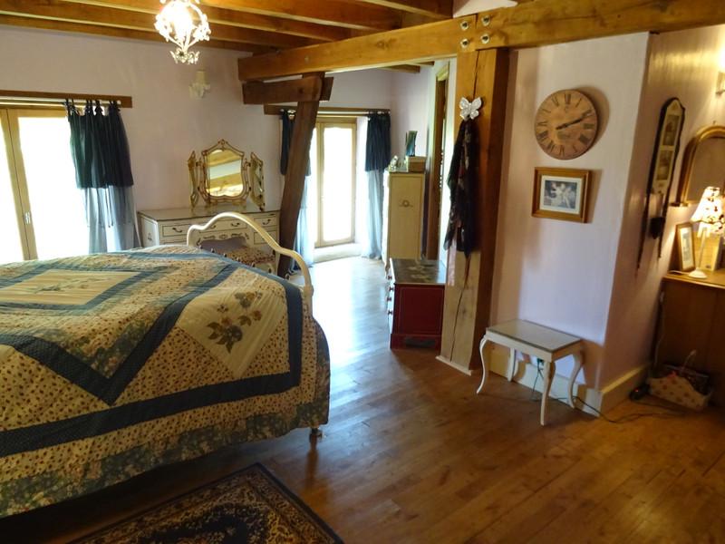 French property for sale in Saint-Jory-de-Chalais, Dordogne - €299,600 - photo 8
