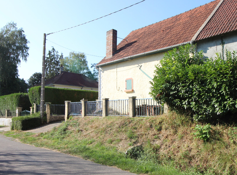 French property for sale in Selles-sur-Nahon, Indre - €32,000 - photo 2
