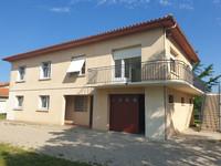 Maison de village indépendante, 5 chambres, garage et jardin, belle vue sur les vignes. Entre Bourg et Blaye