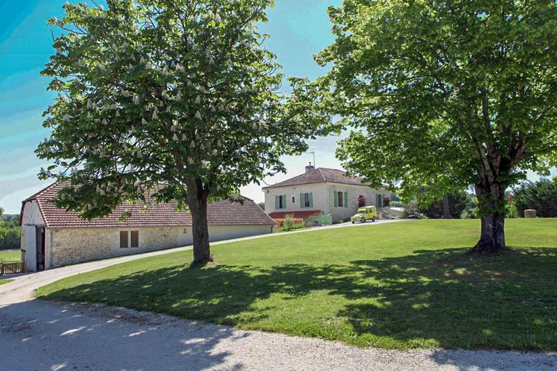 French property for sale in Lauzerte, Tarn-et-Garonne - €587,000 - photo 2