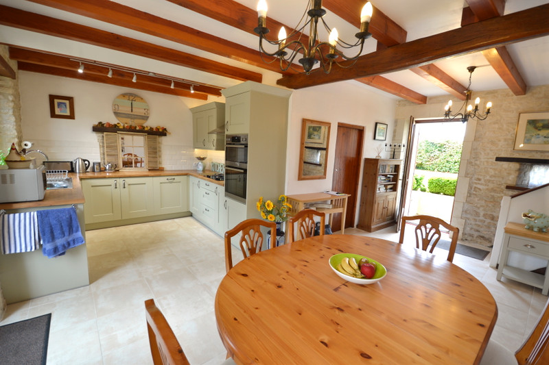 French property for sale in Les Touches-de-Périgny, Charente-Maritime - €318,000 - photo 4