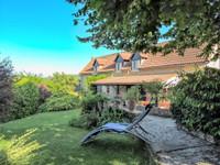 """Jolie maison de village avec jardin """"secret"""", vue panoramique sur la vieille ville et  double garage"""