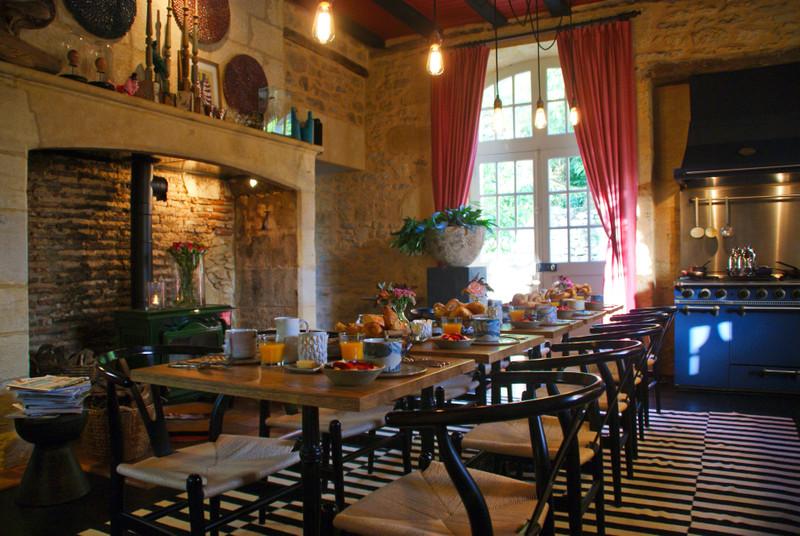 French property for sale in Sarlat-la-Canéda, Dordogne - €966,720 - photo 2