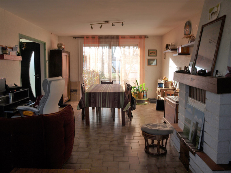 French property for sale in Rouillé, Vienne - €125,350 - photo 6