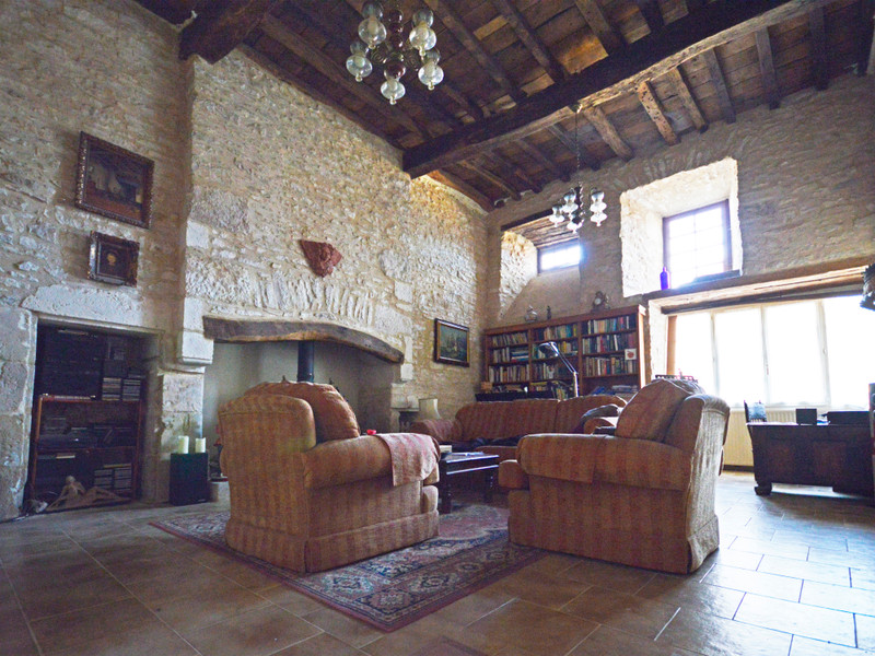 Chateau à vendre à Saint-Pantaly-d'Excideuil, Dordogne - 325 500 € - photo 10
