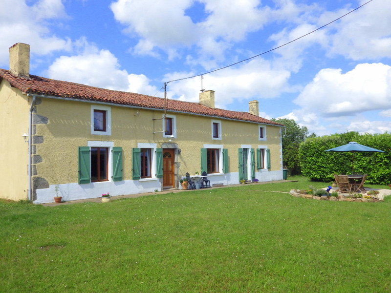 French property for sale in Vernoux-en-Gâtine, Deux Sevres - €185,760 - photo 8
